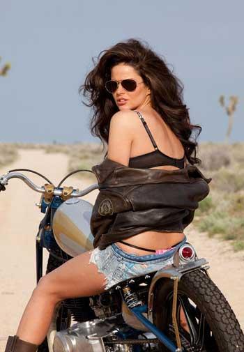 Фото красивых девушек на мотоцикле