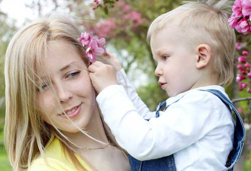 Фото красивых девушек с детьми