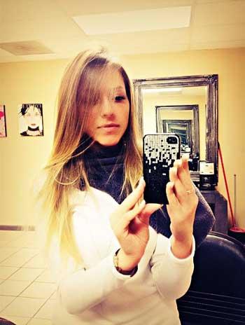 Фото красивых девушек в зеркале