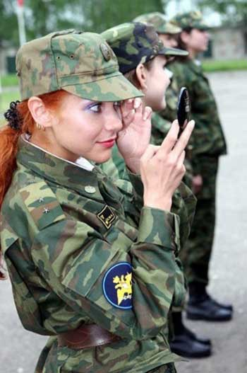 Девушки в армии - фото