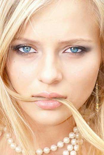 Девушки с голубыми глазами - фото