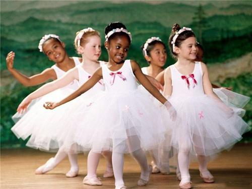 Прикольное видео - дети танцуют
