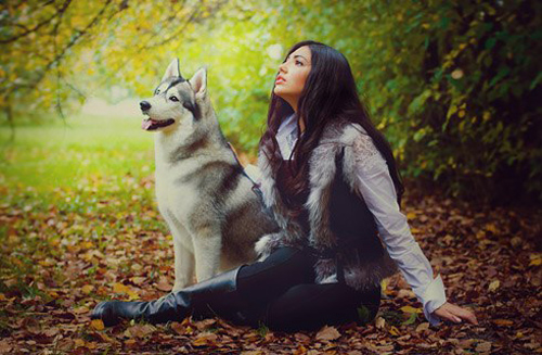 Фото красивых девушек с животными